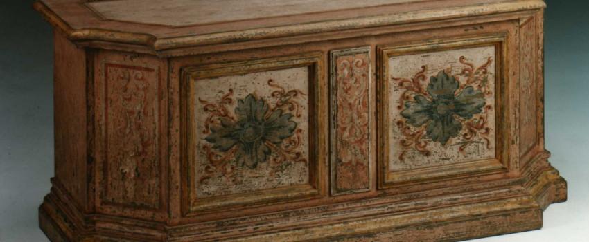 Decorazioni per mobili antichi perignano mobili in legno - Decori in legno per mobili ...